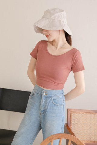 LATTE KR BASIC CROP TEE IN DUSTY ROSE