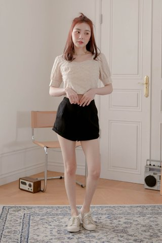 BUTTER TOAST KR EYELET FRENCH TOP IN BABY MILK TEA