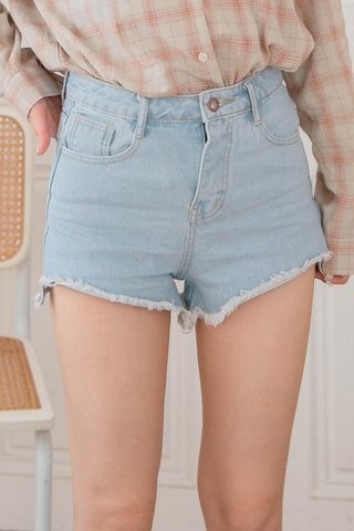 (BACKORDER 2 - S/M/L) SOOH KR HEM RIPPED -5KG DENIM SHORTS IN LIGHT BLUE