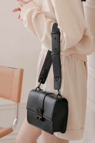 A' EVERYDAY BE WITH YOU BAG IN BLACK