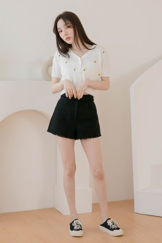 (BACKORDER S) EVERYDAY 365 DAYS TASSEL SHORTS IN BLACK