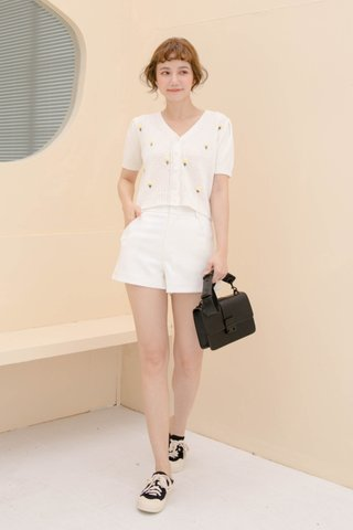 BUT SOME KR -5KG LITTLE C SHORTS IN WHITE