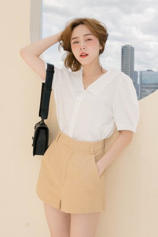 HOUTEE KR LACEY COLLAR TOP IN WHITE