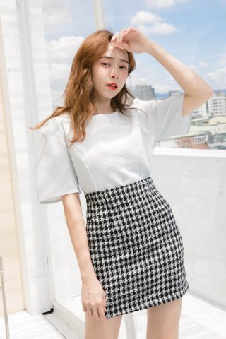 ECLAIR KR CHECKERED PUFFY SLEEVE TOP IN BABY BLUE